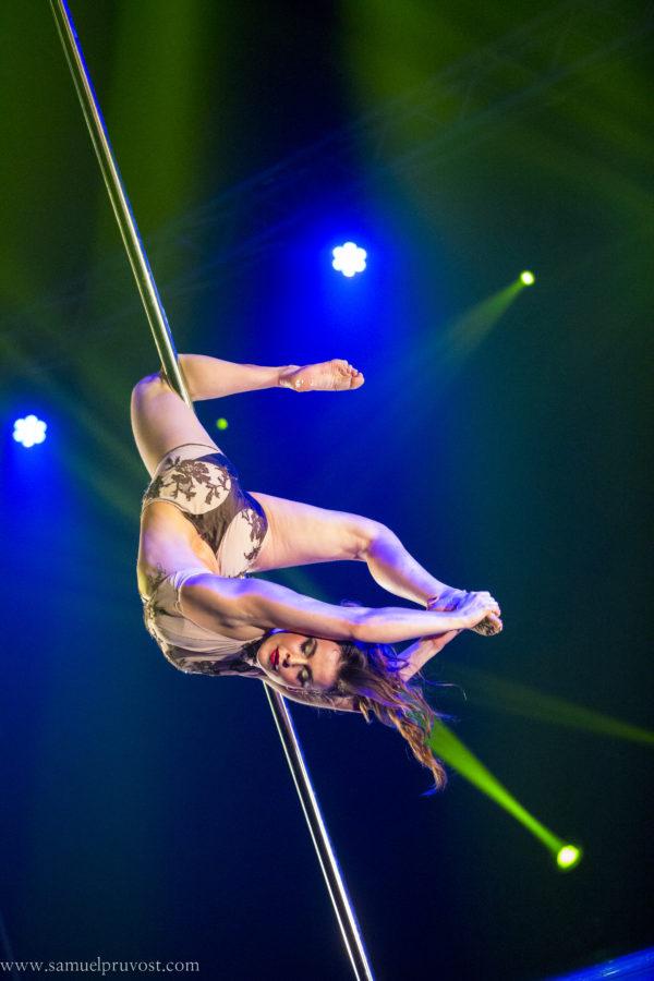 reportage sur un spectacle de pole dance à Lille, au théâtre Sébastopol.photographie-artistique-spectacle-danse-théâtre-Samuel_Pruvost-photographe_Lille